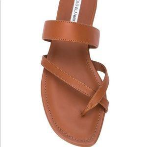 MANOLO BLAHNIK Susa Toe Ring Flat Sandal